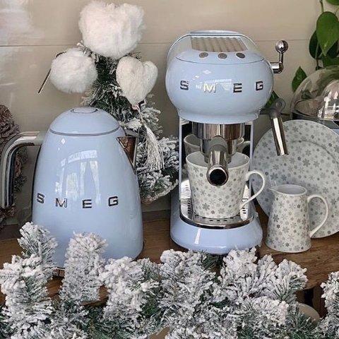 Supreme X SMEG 联名发售在即SMEG厨具 家电中的爱马仕 颜控必备 Get 博主明星同款
