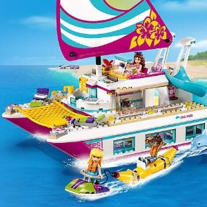Free Gift with LEGO Friends Purchase @ LEGO Brand Retail