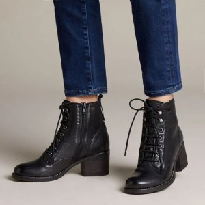 Clarks高筒靴
