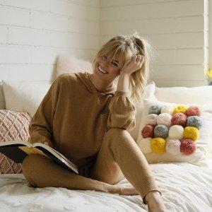 全场低于百元 $69起独家:Rue La La 精致羊绒专场,糯软的亲肤感,温暖过秋冬