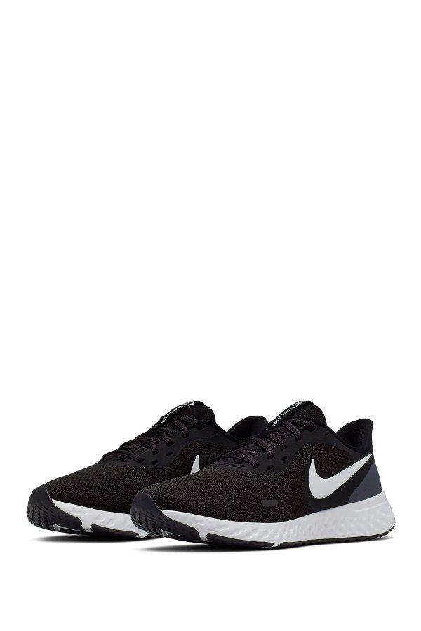 Revolution 5 运动鞋