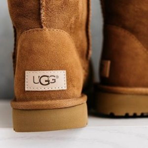 Last Day: Up to $250 Offwith Kids UGG Purchase @ Saks Fifth Avenue