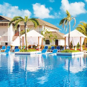 Up to 68% OffRoyalton Resorts in the Carribeans