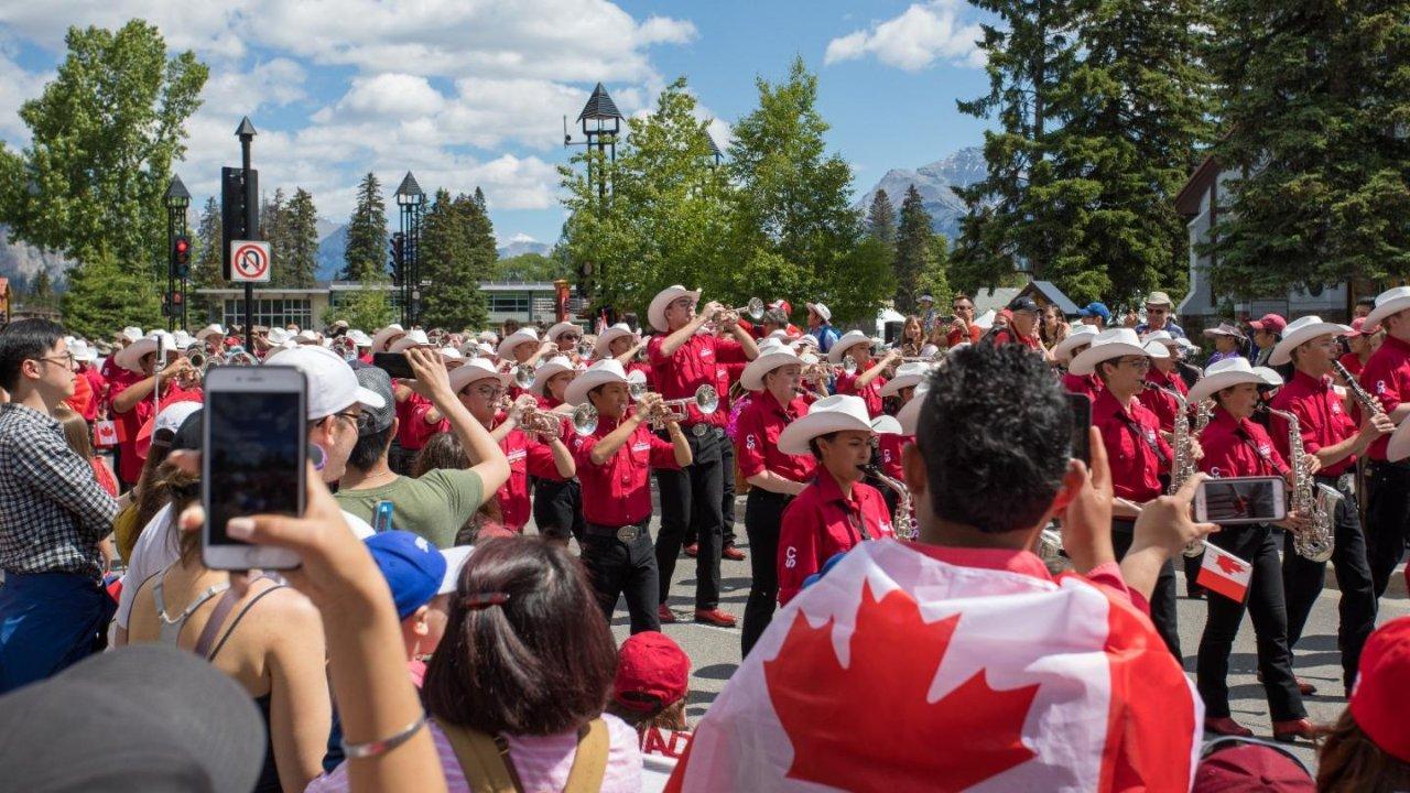 加拿大国庆节🇨🇦大多伦多地区活动总汇 | 各城市庆祝活动、烟火表演、节日集市,全都在这儿了!