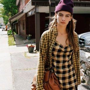 时下正流行Urban Outfitters 格纹系列美衣上新