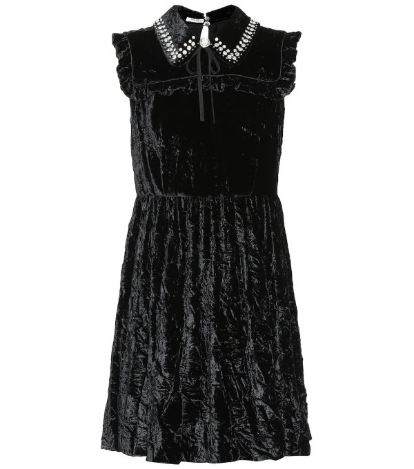 天鹅绒连衣裙