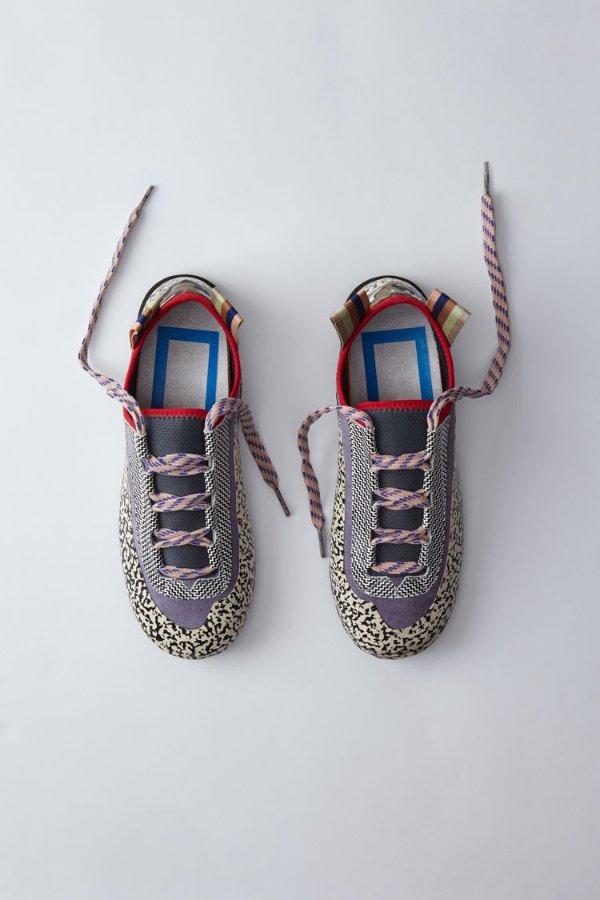系带帆布鞋