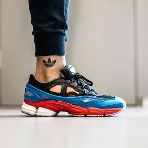 6折 + 额外9折 超强未来感的视觉震撼Adidas x Raf Simon 合作款服饰、鞋履热卖