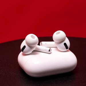 AirPods Max 头戴耳机$748