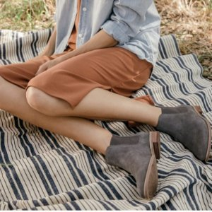 25% OffBoots and Booties @ TOMS