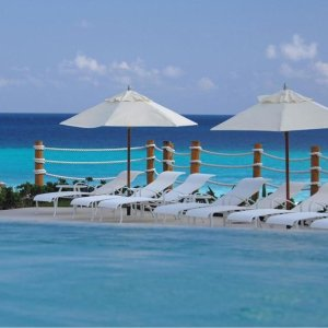 From $4993-, 6-, or 7-Night All-Inclusive Grand Park Royal Cancún