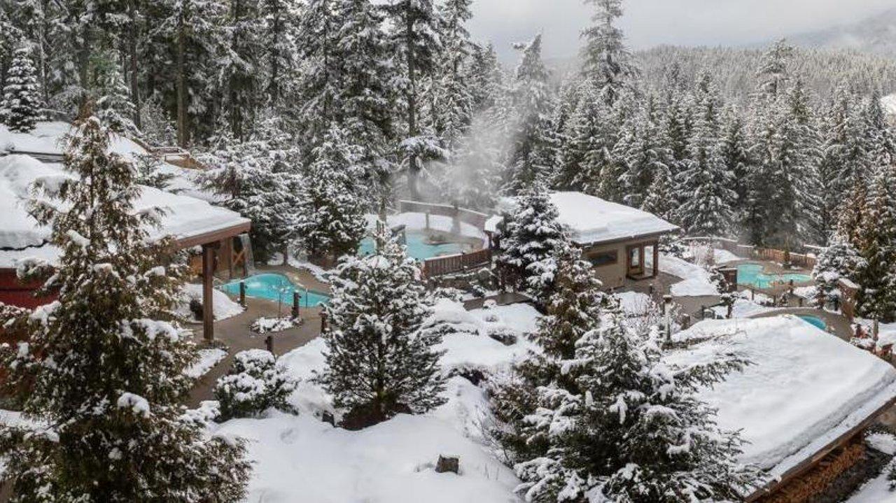 冬日出行   盘点加拿大不容错过的顶级温泉胜地