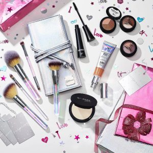 Dealmoon Exclusive! 20% OffWith $30 Purchase + Free Bye Bye Makeup Wipes With $45  @ IT cosmetics