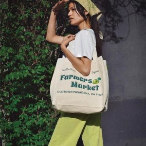2.5折起!€10就收腋下包上新:Urban Outfitters 包包降价 大牌设计托特包、ins风腋下包