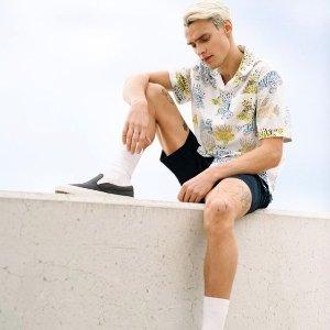 Extra 50% Off + Free ShippingOriginal Penguin Select Styles Men's Clothing Flash Sale