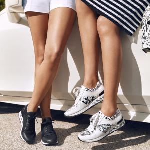 4折起Michael Kors 精选女士皮鞋、短靴、时尚运动鞋 季末特卖