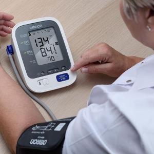$26.36起 家中必备健康仪器Omron 电子血压计、疼痛理疗仪、健康测量仪促销