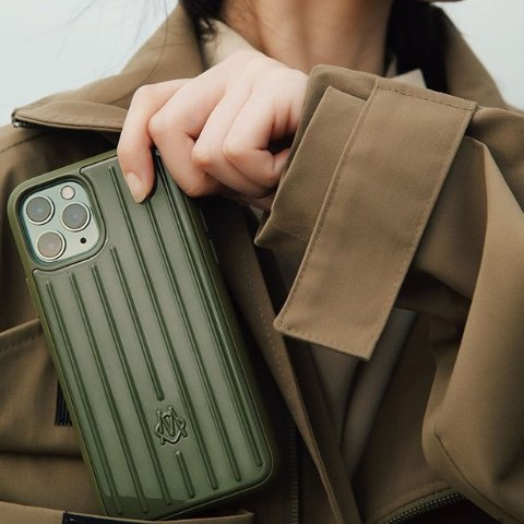 All $90Desert Rose Pink and Cactus Green iPhone case colors now available @ RIMOWA