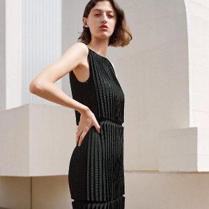 Up to 70% OffDress Sale @COS