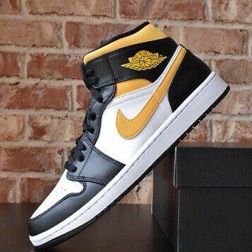 Jordan 1 Mid黑黄脚趾