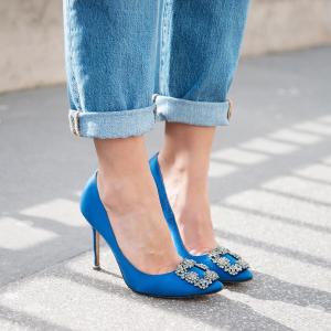 低至6折+ 最高再减250 新款提前收限今天:Manolo Blahnik 女士鞋履 入经典钻扣,BB高跟、白钻也有