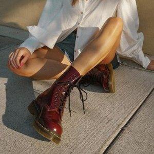 低至4折 Dr. Martens $84收限今天:The Bay 美鞋大促 Toms小白鞋$32收,平价5050 $23