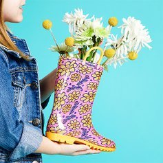 Last Day: Starting at $6.99Kids Rain Items Sale @ Zulily