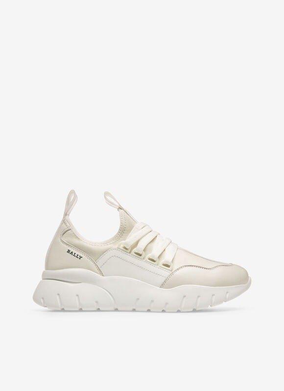 BISE厚底小白鞋