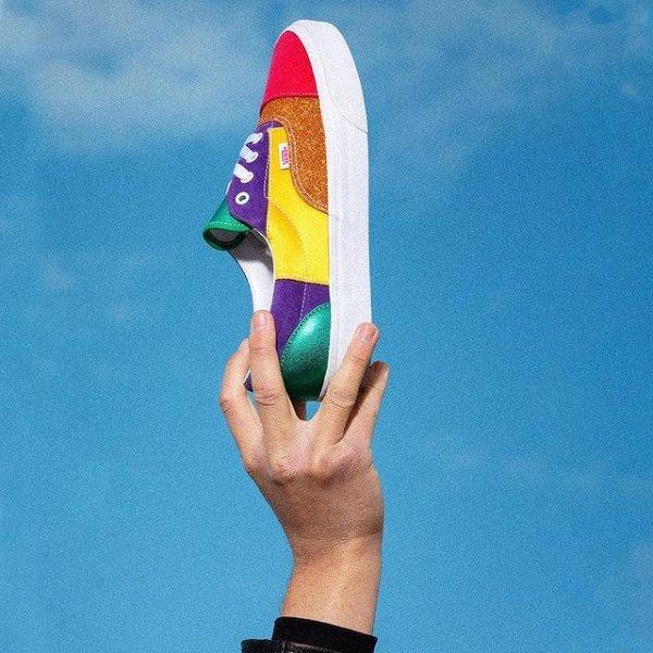 彩虹拼接帆布鞋