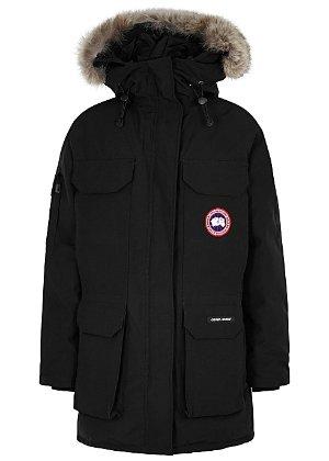 Canada Goose 远征款羽绒服