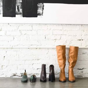 40% Off Boots+25% Off HeelsWomen's Boots and Heels Sale @Naturalizer