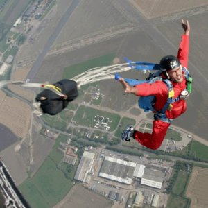 低至£30/人BuyAGift 英国跳伞体验 感受肾上腺素飙升带来的快感