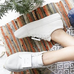 低至5折 入笑脸休闲鞋Acne Studios 精选美鞋服饰、包包配饰热卖