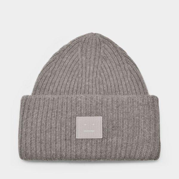 灰色囧脸毛线帽