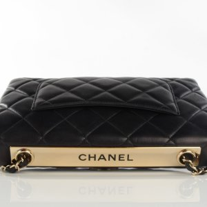 CHANEL Lambskin Quilted Trendy CC Flap Black 110984