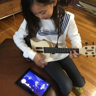 可以互动的尤克里里,黑科技与音乐完美结合【内附不露(yao)脸真人兽】