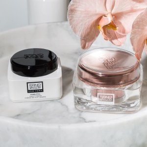Up to 30% OffiMomoko Erno Laszlo Selected Beauty Sale