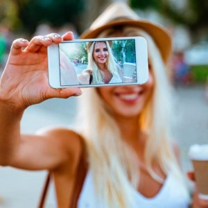 原创征文#拍照技巧#什么角度拍照显高显瘦还有范儿?
