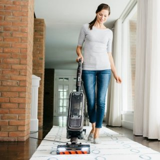 Shark APEX DuoClean with Zero-M Self-Cleaning Brushroll Powered Lift-Away Upright Vacuum