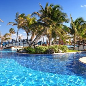 From $7996- or 7-Night All-Inclusive Grand Oasis Cancun Stay