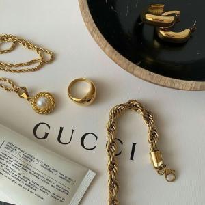5折起+免费退货 MiuMiu珍珠戒指仅$197Cettire 大牌首饰精选 Ysl、Gucci双G项链、Ambush药丸系列