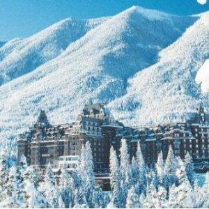 $335起 两晚入住城堡酒店加拿大落基山4日跟团游 班夫+幽鹤+季节限定气泡湖