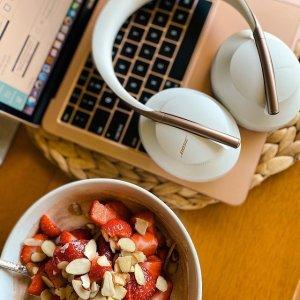 史低价!$299包邮(原价$479)延长一天:Bose 700 无线包耳式降噪耳机 玫瑰金色