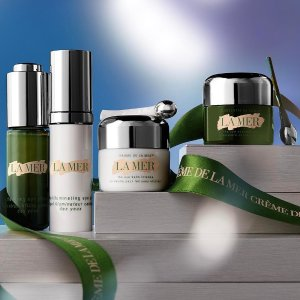 Receive 5-piece set( $162.65 value)with any $200+ purchase @ La Mer