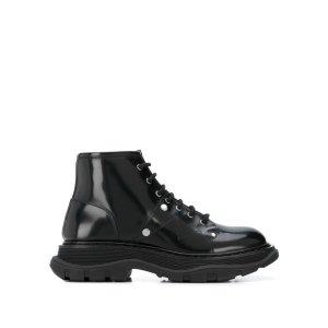 Alexander McQueen新款铆钉靴
