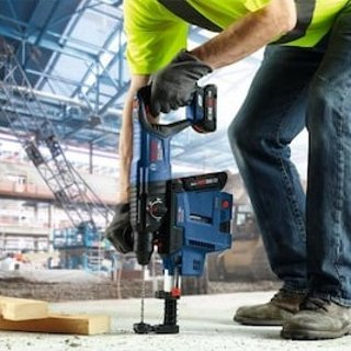 Bosch Bulldog CORE18V 1-in SDS-Plus Cordless Rotary Hammer