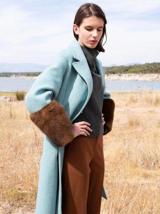 薄荷色长款大衣
