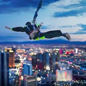 $132起 尝试350米高空纵身跳下的刺激拉斯维加斯云霄塔酒店 塔顶高空速降体验