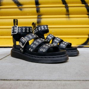 Dr. MartensCLARISSA II 新款铆钉凉鞋