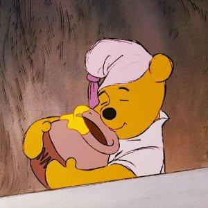 $29收抱枕 $39收睡衣套装Uniqlo X 小熊维尼95周年纪念联名 巨可爱家居系列登场
